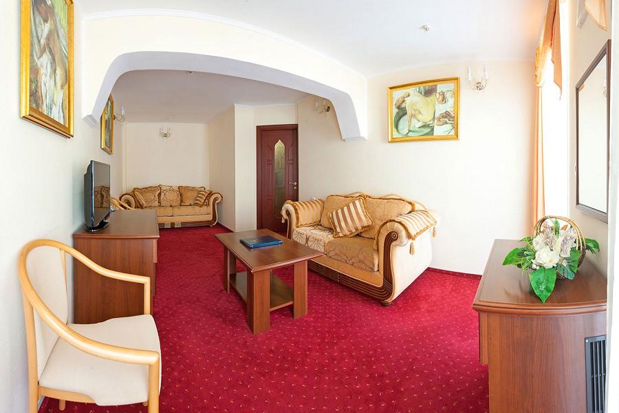 Сюит Рахат-лукум двухместный двухкомнатный отеля 1001 ночь