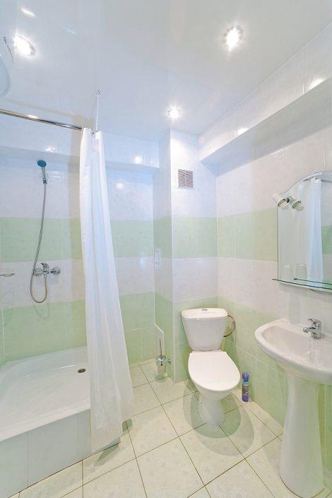 Туалетная комната Стандартного номера в Главном корпусе отеля Абаата