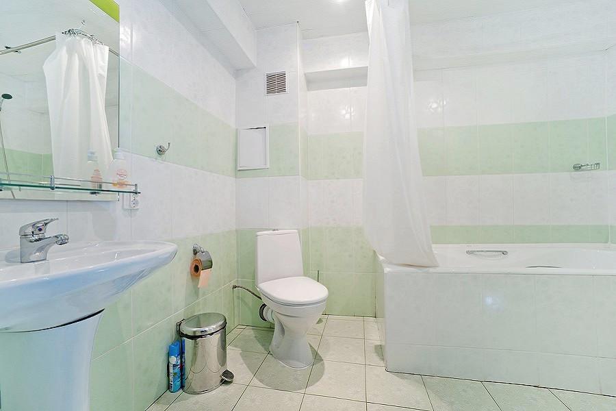 Туалетная комната номера Люкс в Главном корпусе отеля Абаата