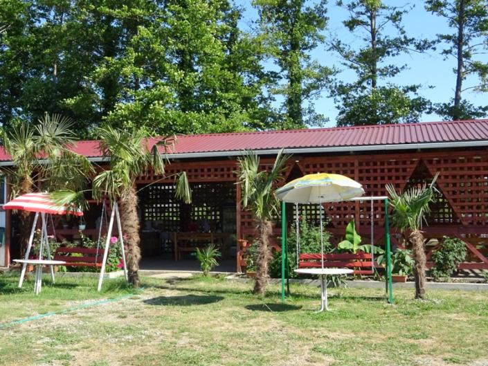 Территория базы отдыха Абхазский двор