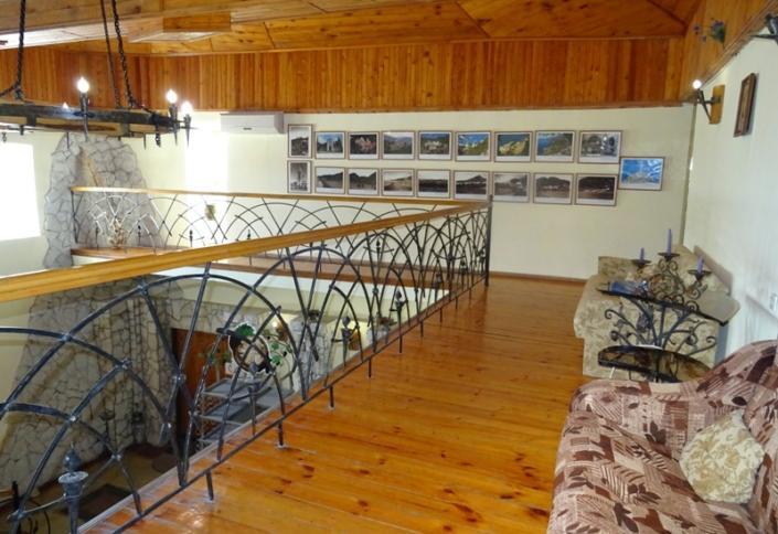 Холл гостиницы Абхазия, Новый Афон