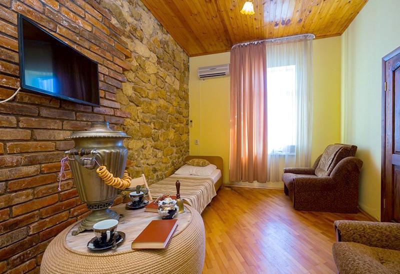 Стандартный одноместный номер гостиницы Абхазия