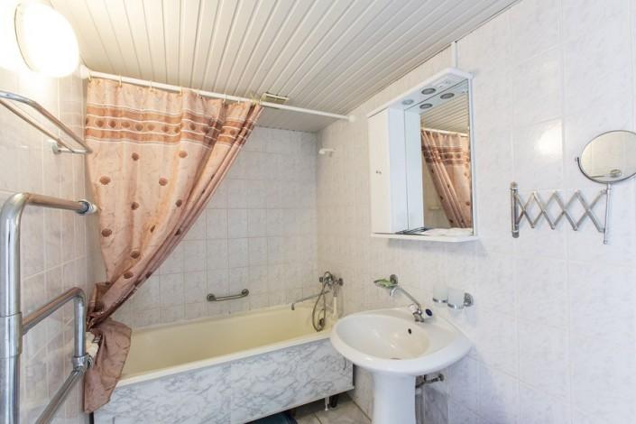 Туалетная комната в номере 2-х местный 2-х комнатный Люкс, пансионат Коралл, Адлеркурорт