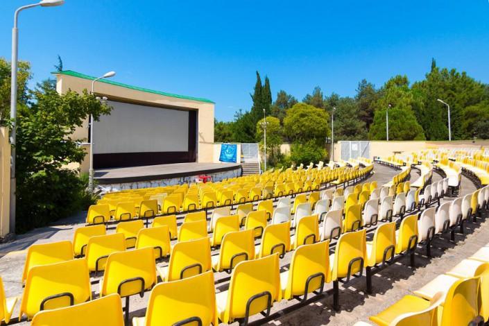 Летняя киноконцертная площадка