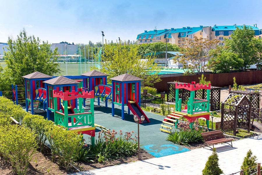 Детский игровой городок базы отдыха Афалина