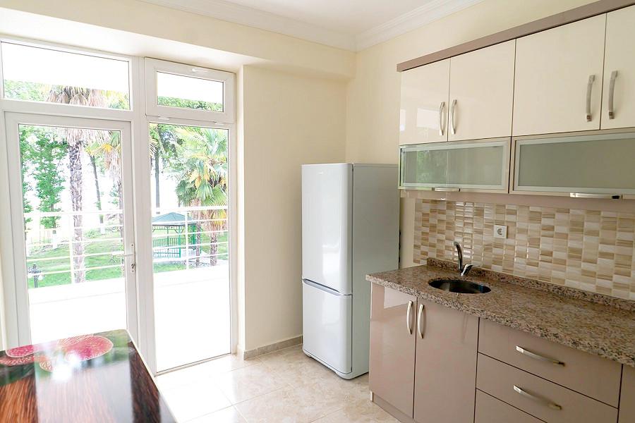 Кухня в апартаментах гостевого дома Агудзера
