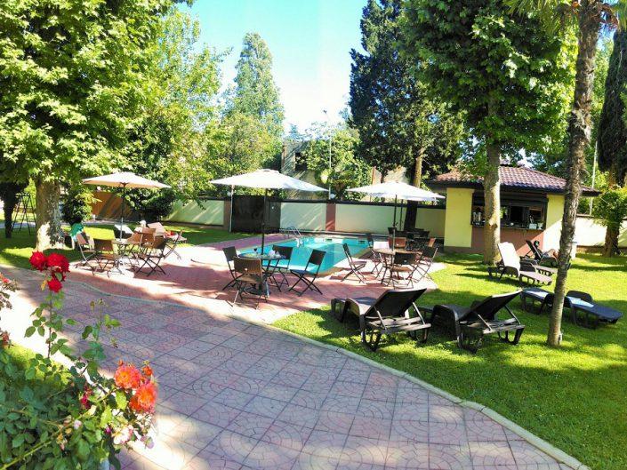 Кафе у бассейна пансионата Аибга, Гагра, Абхазия