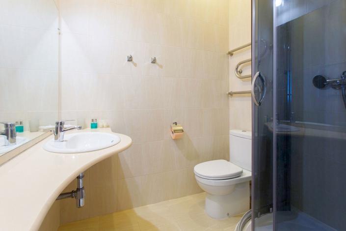 Туалетная комната номера Стандарт в Главном корпусе санатория Ай-Даниль