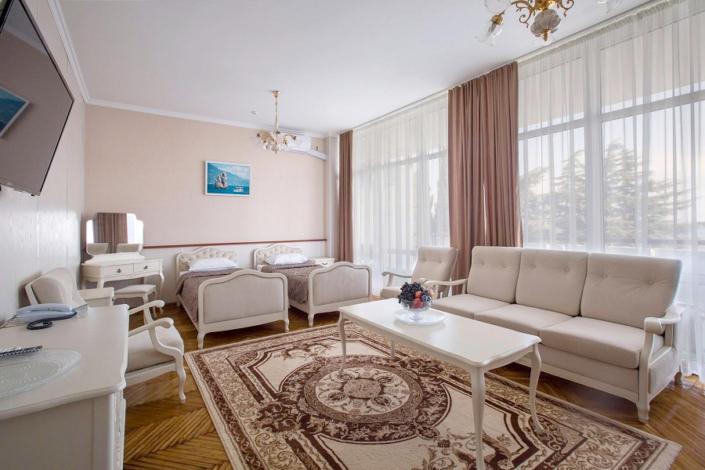 Полулюкс двухместный в Главном корпусе санатория Ай-Даниль