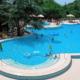 Открытый бассейн и джакузи на территории санатория Ай-Даниль