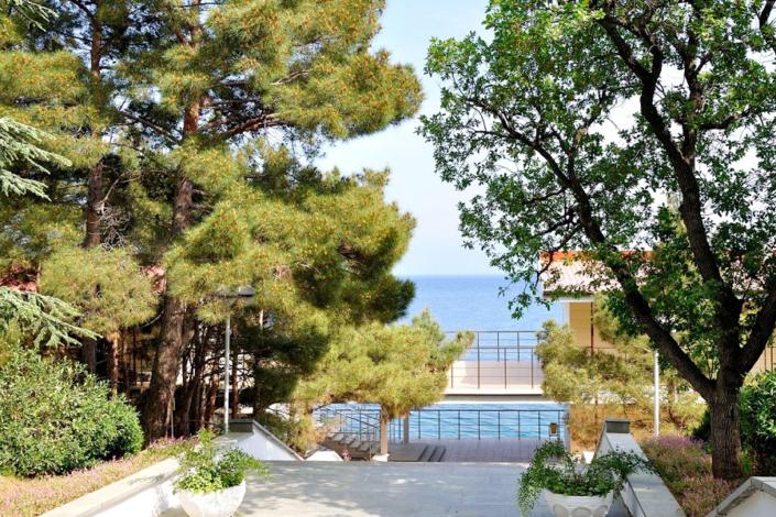 Путь к пляжу санатория Ай-Даниль