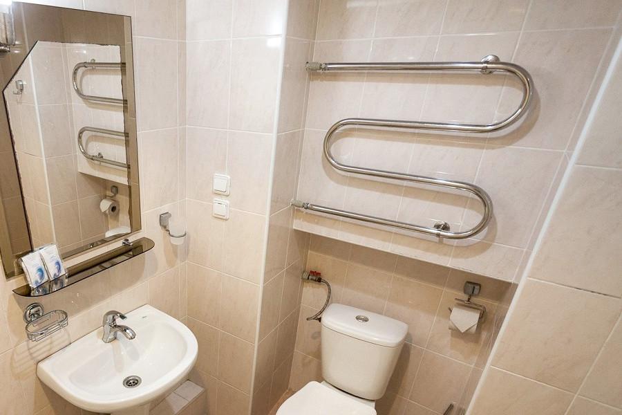 Туалетная комната Стандартного номера с кондиционером в Корпусе 10 санатория Ай-Петри