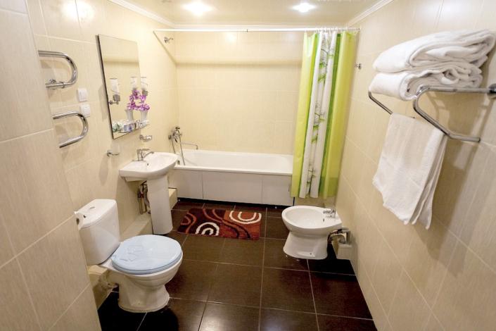 Туалетная комната номера Люкс в Корпусе 10 санатория Ай-Петри