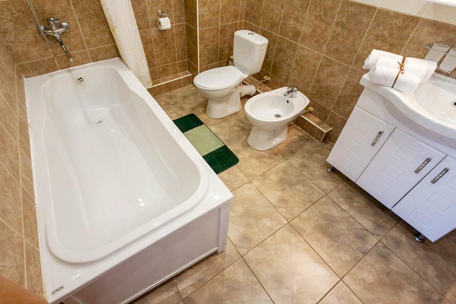 Туалетная комната номера Люкс в Корпусе 11 санатория Ай-Петр