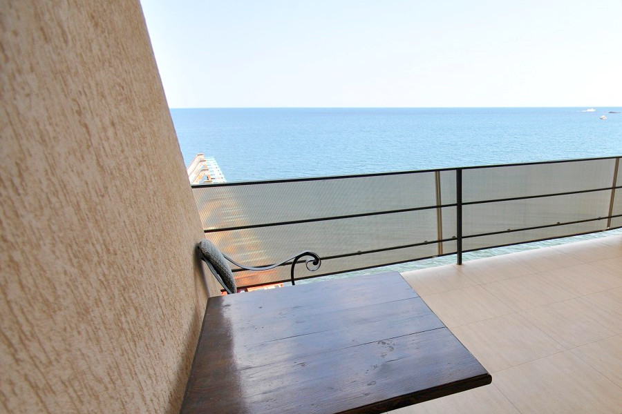Балкон номера Люкс Студия в Корпусе 2 отеля Ай-Тодор