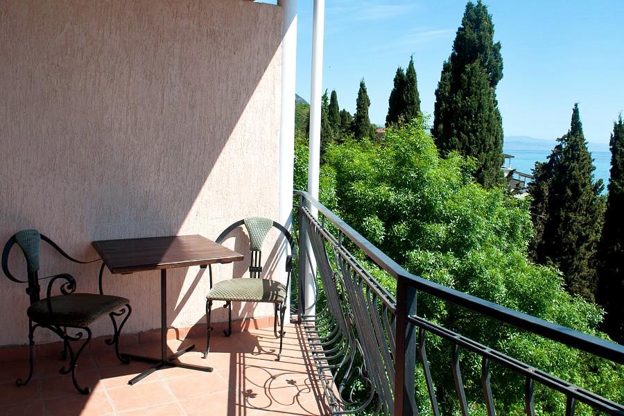 Балкон номера Люкс двухкомнатный в Корпусе 1 отеля Ай-Тодор