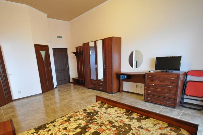 Люкс трехместный двухкомнатный в Корпусе 3 отеля Ай-Тодор