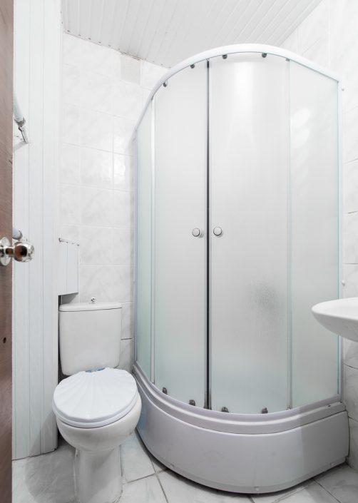Туалетная комната в двухместном двухкомнатном Люксе Корпуса №1