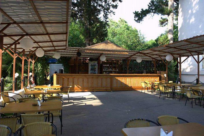Кафе национальной кухни на территории пансионата Айтар