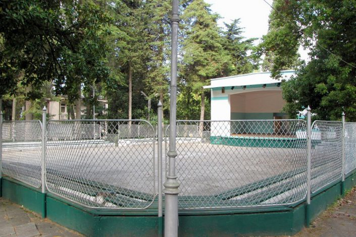 Танцевальная площадка и летняя эстрада пансионата Айтар