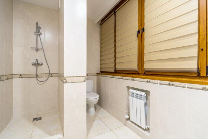 Туалетная комната номера Стандарт в санатории Айвазовское