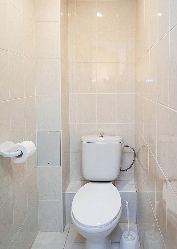 Туалетная комната номера Эконом в Главном корпусе парк-отеля Актер