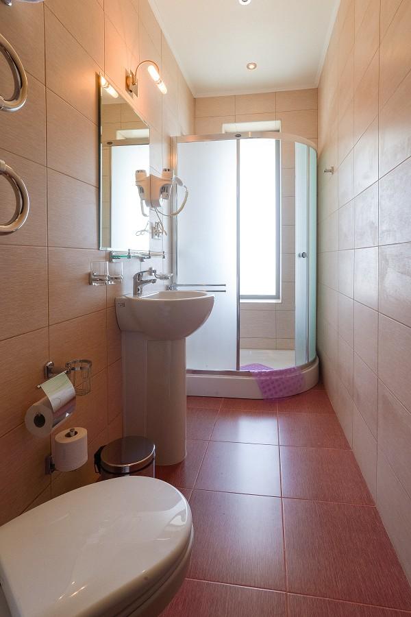 Туалетная комната Стандартного номера санатория Актер, Сочи