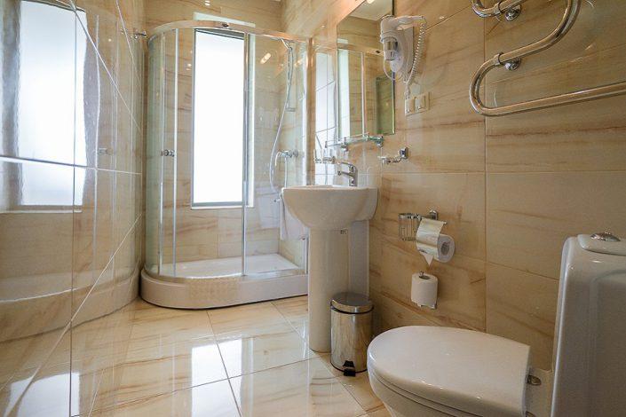 Туалетная комната номера Сюит санатория Актер, Сочи