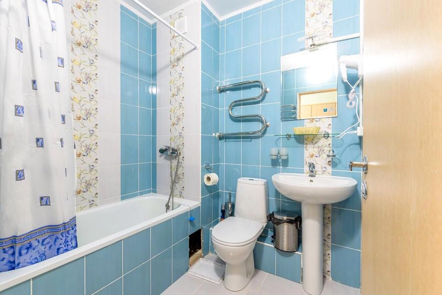 Туалетная комната Стандартного номера в корпусе № 9 санатория АкваЛоо