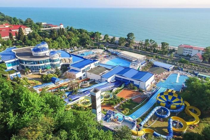 Вид на аквапарк санатория АкваЛоо