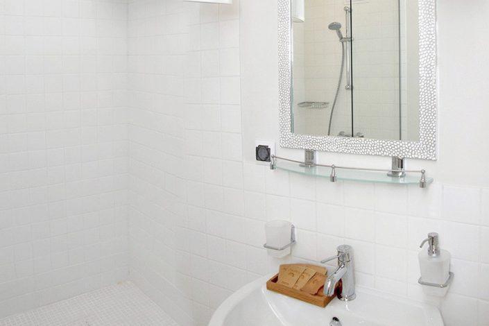 Туалетная комната Стандартного номера отеля Аквамарин, Гагра