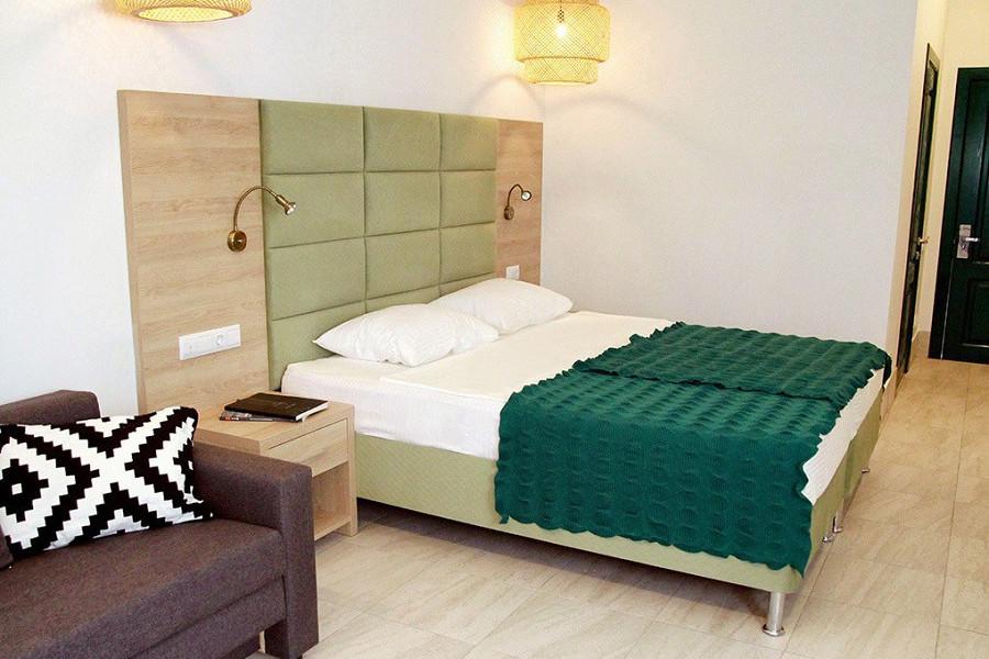 Семейный двухместный номер отеля Аквамарин, Гагра