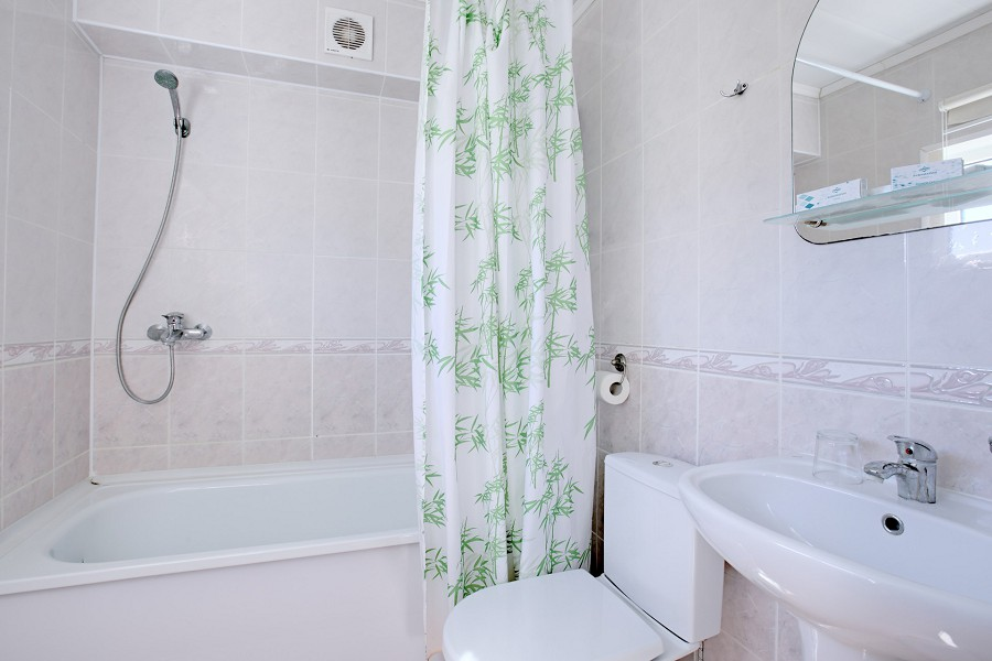 Туалетная комната номера Стандарт одноместный КО Аквамарин-Сукко