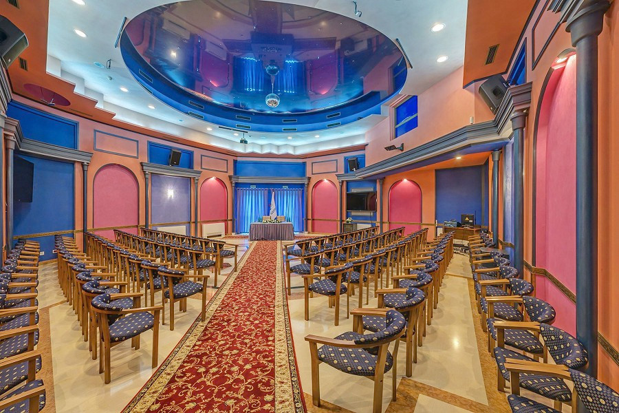 Конференц-зал на 100 человек в санатории Аквамарин