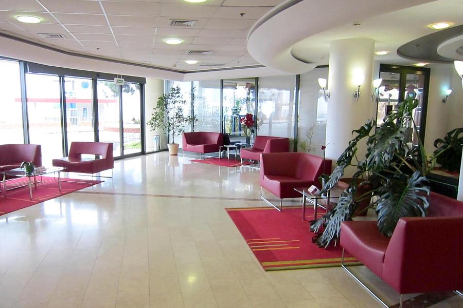Холл отеля Аквапарк