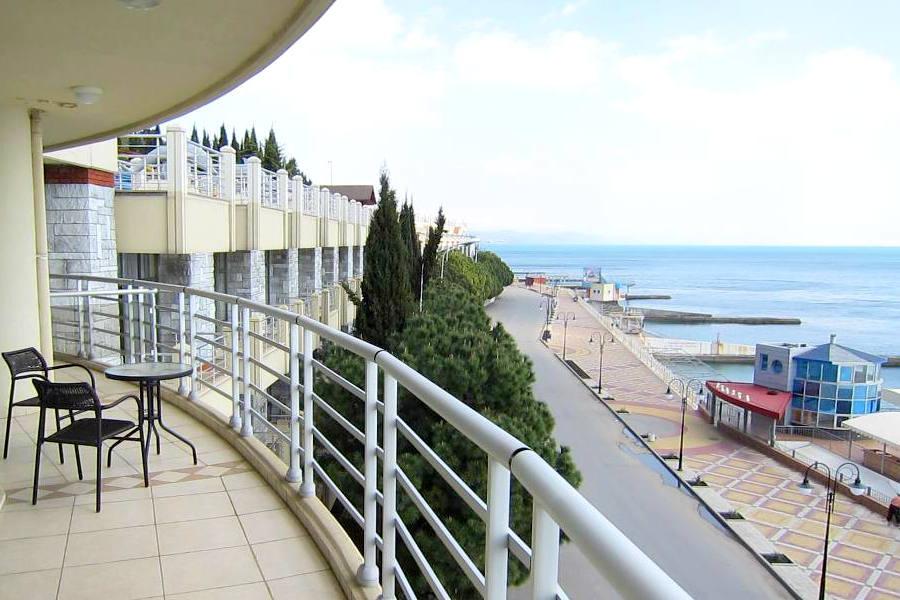 Балкон номера Панорамный отеля Аквапарк