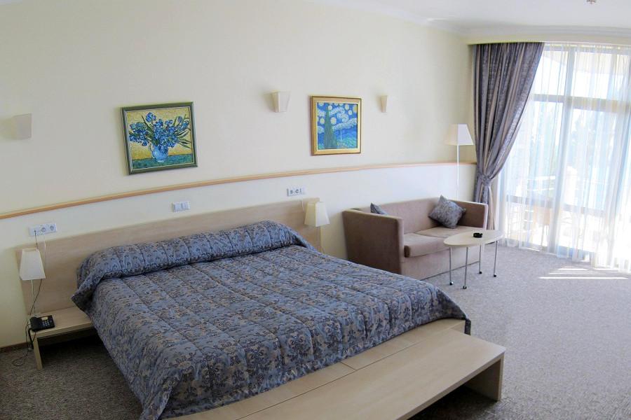 Люкс двухместный двухкомнатный отеля Аквапарк