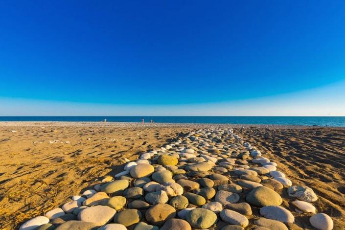 Путь к пляжу от отеля Al Mare