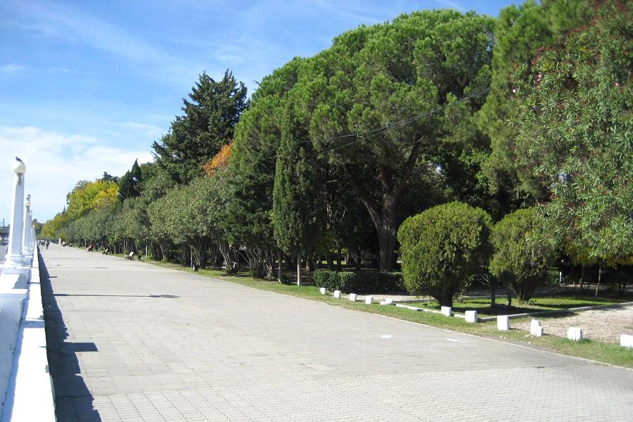 Набережная Сухума, Абхазия