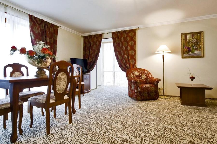 Люкс Коралл двухместный двухкомнатный в Корпусе 1 Alex Resort & Spa Hotel