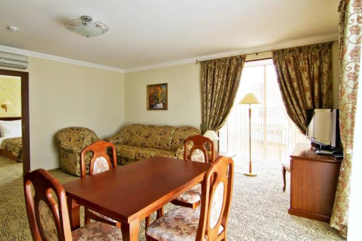 Люкс Янтарь двухместный двухкомнатный в Корпусе 1 Alex Resort & Spa Hotel