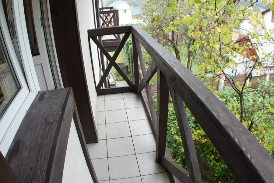 Балкон номера Стандарт Плюс отеля Альпийский двор