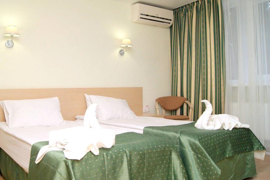 Комфорт двухместный двухкомнатный в Корпусе 6 санатория Алушта