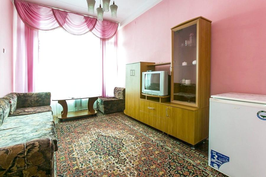 Стандарт двухместный двухкомнатный в Корпусе 1 санатория Алуштинский