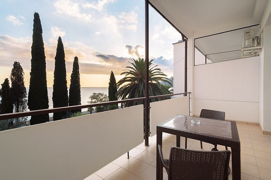 Балкон номера Люкс в Корпусе № 2 Amra Park Hotel