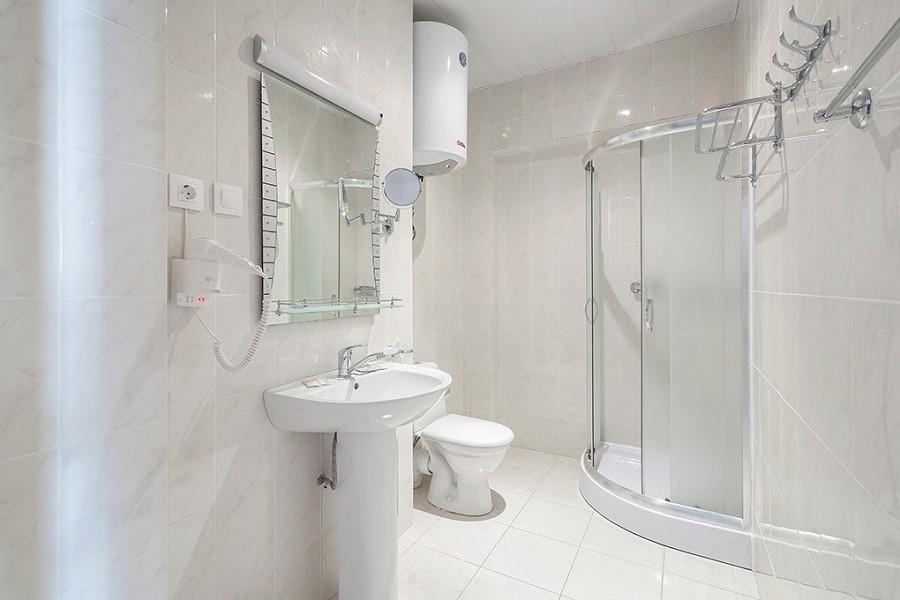 Туалетная комната номера Люкс в Корпусе № 2 Amra Park Hotel