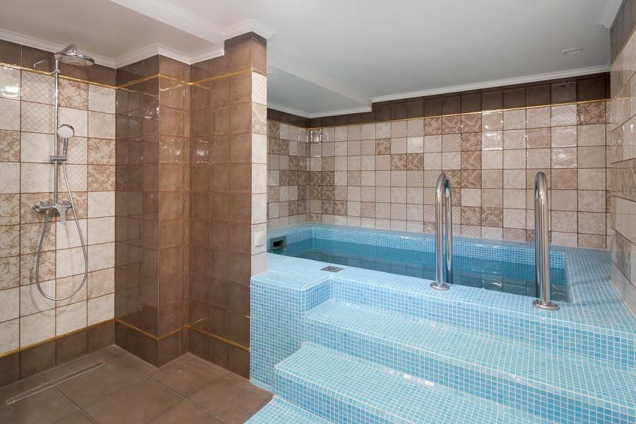 Купель в спа-комплексе Amra Park Hotel