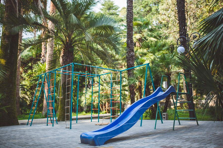Детский городок на территории Amra Park Hotel