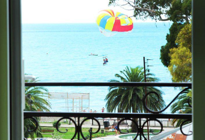 Вид на море с балкона номера отеля Амран, Гагра, Абхазия