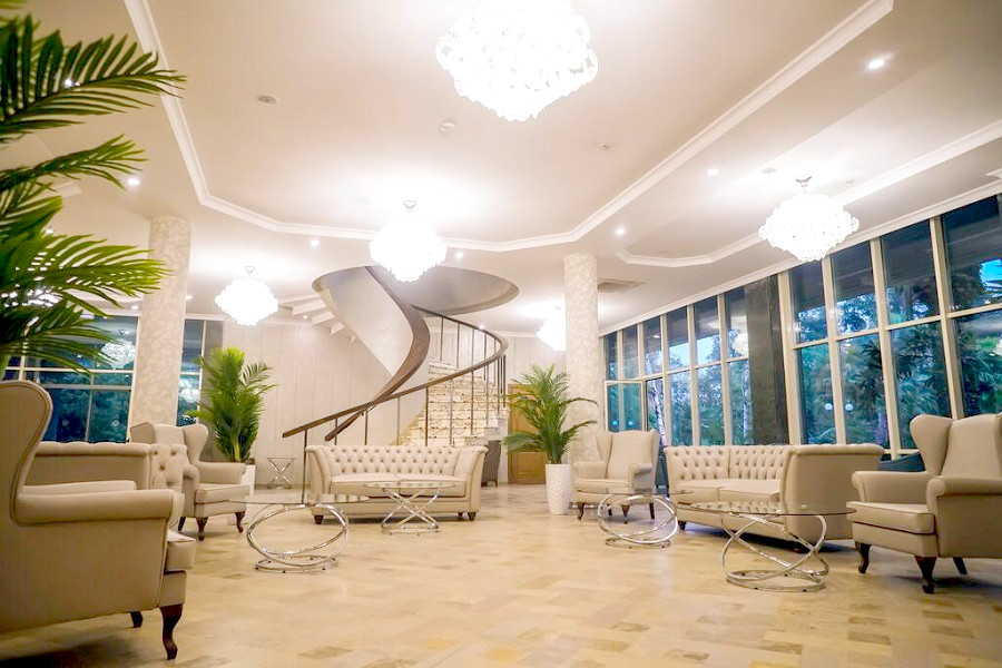 Холл Amza Park Hotel